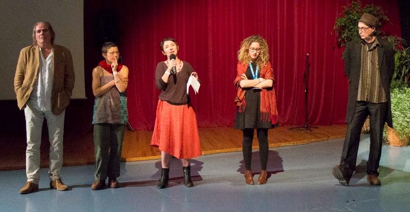 De gauche à droite : Dominique Gautier (Réalisateur), Manoell Bouillet (Ecrivaine), Christine Bouteiller, présidente du jury (Réalisatrice et monteuse), Pauline Malaterre (Etudiante en Art du spectacle et communication) et Bertrand Lenclos (Réalisateur)